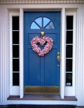 Heart-Shaped-Wreath-on-front-door